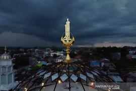 BMKG sebut dinamika atmosfer tak stabil tingkatkan hujan Indonesia tengah-timur