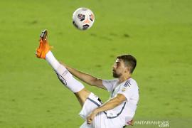 Marseille resmi merekrut pemain Brazil Luan Peres