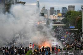PM Thailand didesak mundur saat COVID-19 melonjak