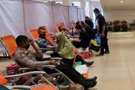 Donor darah atasi COVID-19 di Riau Page 1 Small