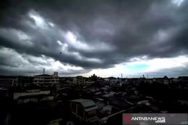 Hujan lebat dan angin kencang diprakirakan terjadi di beberapa daerah, termasuk Kaltara