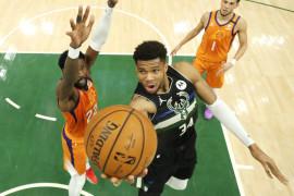 Antetokounmpo bersaudara jadi trio pertama yang meraih gelar NBA