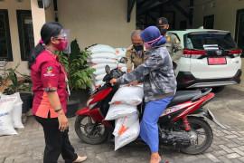 Keluarga penerima manfaat di Kota Yogyakarta mulai terima BST dan beras