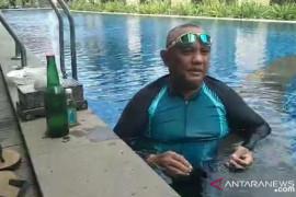 Gubernur Gorontalo Rusli Habibie dan istrinya positif COVID-19