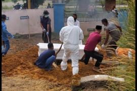 Kadinkes Bintan pusing  permintaan peti jenazah pasien COVID-19 meningkat