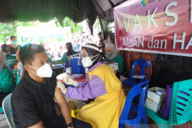 Masyarakat Kepulauan Meranti antusias ikut vaksinasi