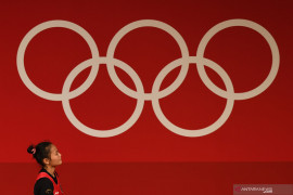 Sepekan jelang Olimpiade, Windy Cantika sempat tertimpa barbel