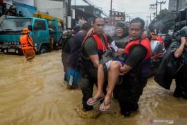Manila dilanda banjir, ribuan warga diungsikan