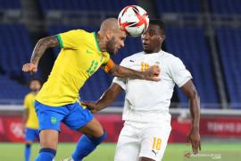 Diwarnai dua kartu merah, Brazil ditahan imbang lawan Pantai Gading 0-0