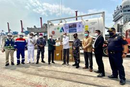 Indonesia terima bantuan 300 konsentrator, 100 MT oksigen medis dari India