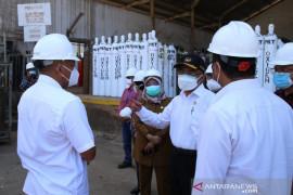 Menko Muhadjir minta perusahaan pinjamkan tabung oksigen
