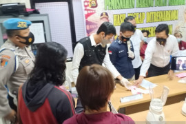 Polda Sumatera Selatan musnahkan ratusan gram sabu milik bandar narkoba