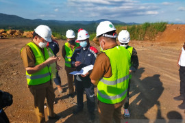 Wali-Wawali kota Manado cek perkembangan pembangunan TPA Mamitarang