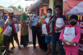 Lapas Tembilahan berbagi paket bantuan sosial kepada masyarakat