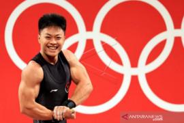 Wali Kota Makassar beri penghargaan kepada lifter Rahmat peraih perunggu Olimpiade