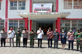 Gubernur-Kapolda tinjau kesiapan RS Darurat COVID-19 di Tondano