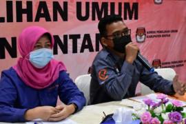 KPU Bintan serahkan salinan DPT Pilkada untuk Pilkades Bintan