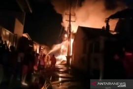 Kebakaran lapak terjadi di Kalideres