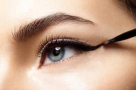 Jangan gunakan eyeliner pada garis air, ini alasannya