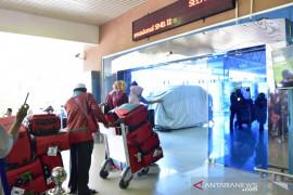 Calon penumpang di Bandara SMB II wajib  unduh aplikasi PeduliLindungi