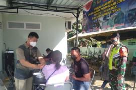 TNI/Polri gencarkan serbuan vaksinasi untuk warga Biak