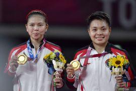 Medali emas ganda putri di Olimpiade dari masa ke masa