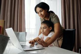 Survei menunjukkan belajar offline lebih menyenangkan bagi anak di Asia Pasifik