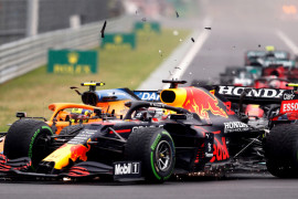 "Formula 1 - Max Verstappen merasa \""disingkirkan\"" lagi oleh pebalap Mercedes"