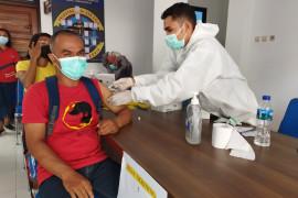 TNI Angkatan Laut gelar vaksinasi bagi warga di Labuan Bajo
