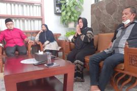 Keluarga tersangka pengeroyokan nakes minta maaf kepada korban dan nakes se-Indonesia