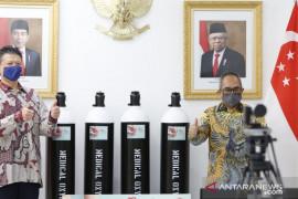 Indonesia dapat bantuan 532 tabung oksigen medis