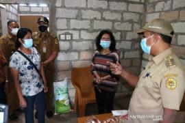 Pemkot Kupang bantu bangun rumah warga tak mampu