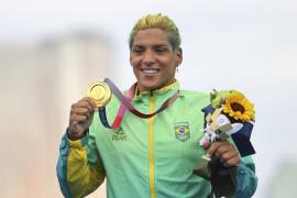 Olimpiade Tokyo 2021: Perenang Brazil Ana Marcela rebut emas renang maraton putri