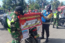 Aparat TNI/Polri di Biak luncurkan perpustakaan keliling untuk warga