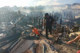Kebakaran puluhan rumah dipicu pertengkaran pasangan suami istri