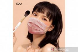 Bila ingin tetap cantik meski kenakan masker? Begini caranya