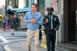 "Ryan Reynolds - Taika Waititi ungkap serunya syuting \""Free Guy\"""