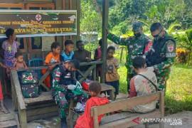 Satgas TNI beri pengobatan bagii warga di perbatasan