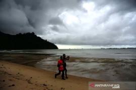BMKG prakirakan potensi hujan lebat beberapa wilayah, termasuk Kalimantan