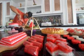 Penjualan Kue Merah Putih DI Padang Page 1 Small