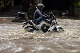 Banjir di jalur pariwisata Badung Bali Page 1 Small
