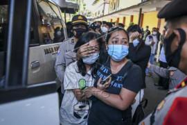 Penyerahan korban kebakaran Lapas Tangerang kepada Keluarga Page 2 Small