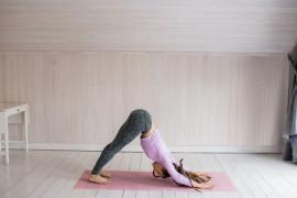 Pilihan olahraga mudah di rumah: Menari, yoga sampai HIIT