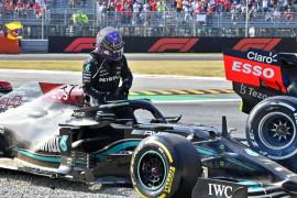 Hamilton yakin Verstappen di bawah tekanan tapi tak akan mengakui