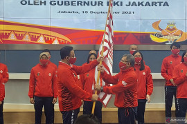 Anies Baswedan lepas kontingen DKI Jakarta ke PON XX Papua