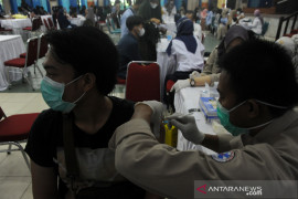 Vaksinasi mahasiswa UIN Raden Fatah Palembang Page 2 Small