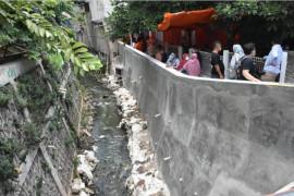 Turap penahanan banjir di Batu Ampar Jakarta Timur diresmikan