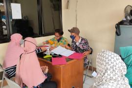 Warga Kebon Pala datangi Posko PTSL untuk urus sertifikat tanah