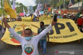 Aksi Hari Tani Nasional Di Padang Page 2 Small