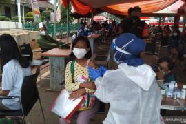 DKI genjot vaksinasi dewasa lindungi kelompok anak di bawah 12 tahun